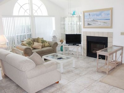 Photo for Cozy 2 bedroom 2 bath condo located within walking distance to car free beach. SBC884