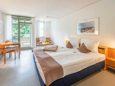Photo for 2 pers. Studio Granitz, lake side - Rügener holiday homes on the high bank