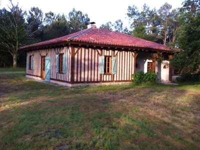 Photo for Landes house in the heart of the forest, 10 minutes from the beaches.