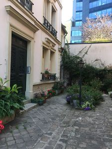 Photo for charming furnished studio Boulogne 100 m from the metro