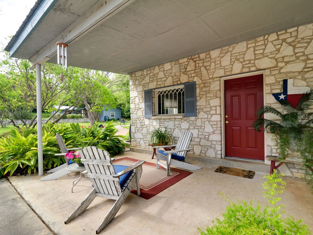 texas barn house bmt discount rustic homeaway oakland estates