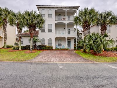 Photo for Spacious 3-story home w/ partial beach views - short walk to dining & beach!