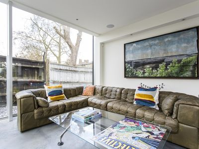 Photo for Dulwich Road II - luxury 3 bedrooms serviced apartment - Travel Keys
