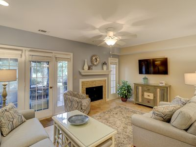 Photo for Beautifully remodeled townhome with shared pool in Shipyard