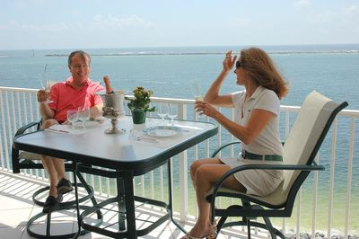 4 can easily dine on the oversize balcony as you watch the boats go out to sea!