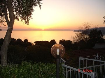 UNFORGETTABLE SUNSETS BEAUTIFUL SEA VIEW RELAXATION FREE WIFI GREAT LOCATION