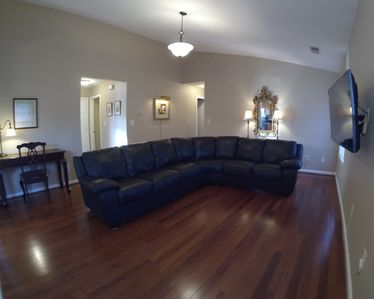 Photo for 10 Mins to the Horsepark, Keenland, Airport and downtown. Near I75