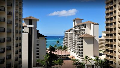 Photo for Discover The Beauty Of Honolulu At Waikiki Beach!