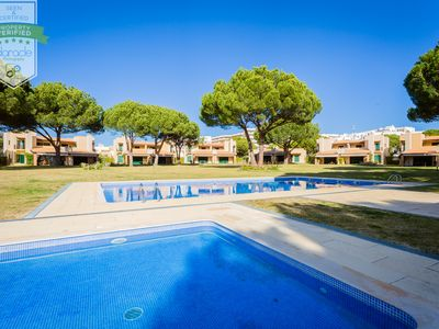 Photo for Villa with pool for children and tennis in Vilamoura Tennis condominium