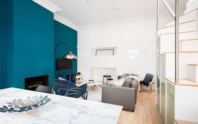 Photo for The Queensway Retreat - Modern & Bright 2BDR Home
