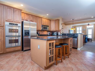 Photo for Gorgeous Sunset Island Townhome - Short Walk to Pools & Clubhouse!