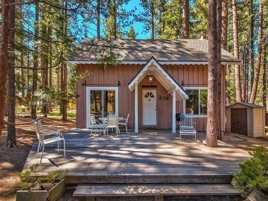 worker toiyabe wanderlust epic titan cabins rentals cabin top at south lake tahoe