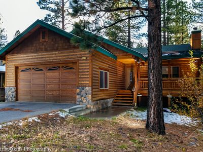 Gorgeous Log Style Mountain Cabin