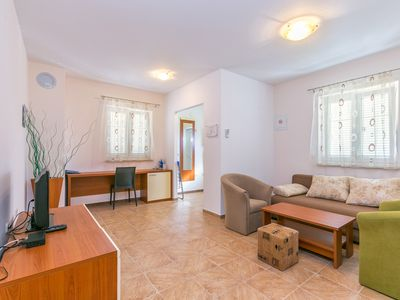 Photo for Apartment with shared garden - Magdalena 3