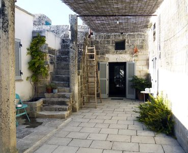 Photo for Traditional Salento house around a courtyard, with garden and pool
