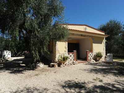 Photo for Detached house completely fenced in a fantastic citrus grove