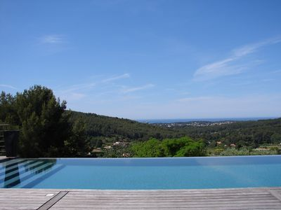 Photo for Villa infinity pool with sea view Sanary sur mer