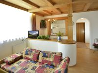 Super apartment, really clean and comfortable, convenient for walking trails and Seefeld itself.