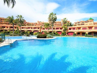 Photo for Luxury beachfront apartment with WIFI and Aircon, Beachfront complex, 20 min walk to Estepona port