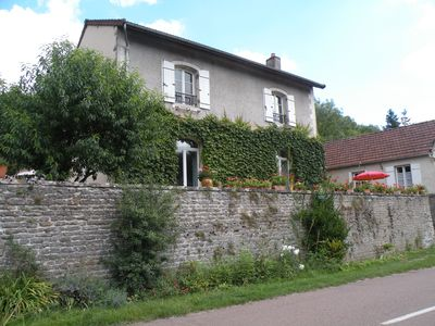 Photo for House 5 people comfort high coast of Beaune between vineyards and castles