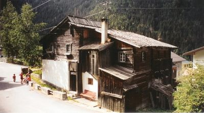 Photo for 3 min from skiing area, directly at the toboggan run, very old, charming house