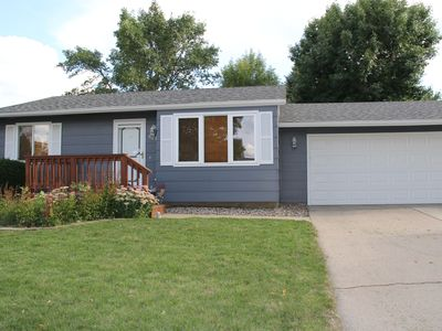 Fully Furnished 3 Bedroom - 2 Bath - Double Garage