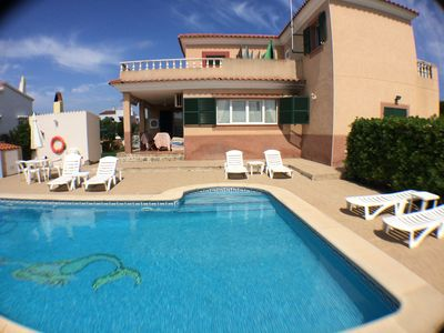 Photo for VILLA SIRENA large pool, BBQ and private parking 350m from the beach. FREE WIFI
