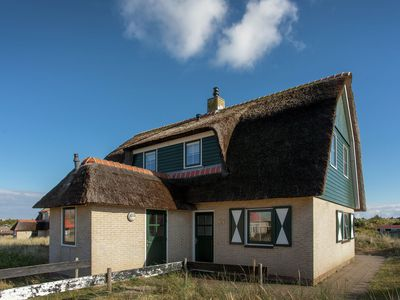 Photo for Beautiful holiday home, a stone's throw away from the Frisian island Vlieland