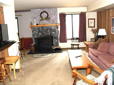 Photo for 1 Bedroom & 1 Bathroom, Sleeps 5, One Level to enjoy for your Mammoth Lakes Vacation