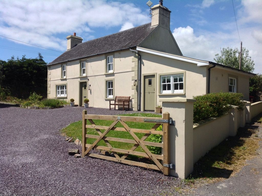 Beautifully appointed and restored 5 bedroom traditional for 5 bedroom farmhouse