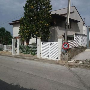 Photo for Villa Girasole up to 16 beds 4 bathrooms wi fi 4 minutes from the sea