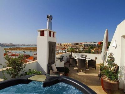 Photo for Casa Amexeira, charming 3-bedroomed/3-bathroomed townhouse in Ferragudo