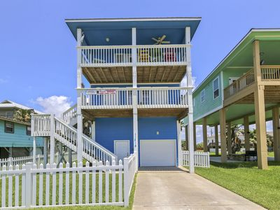 Photo for Attitude Adjustment is a great beach-side house located in Sunny Beach!