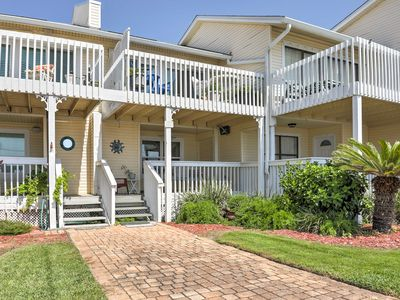 Photo for Sunny Destin Townhome w/Ocean Views -Walk to Beach