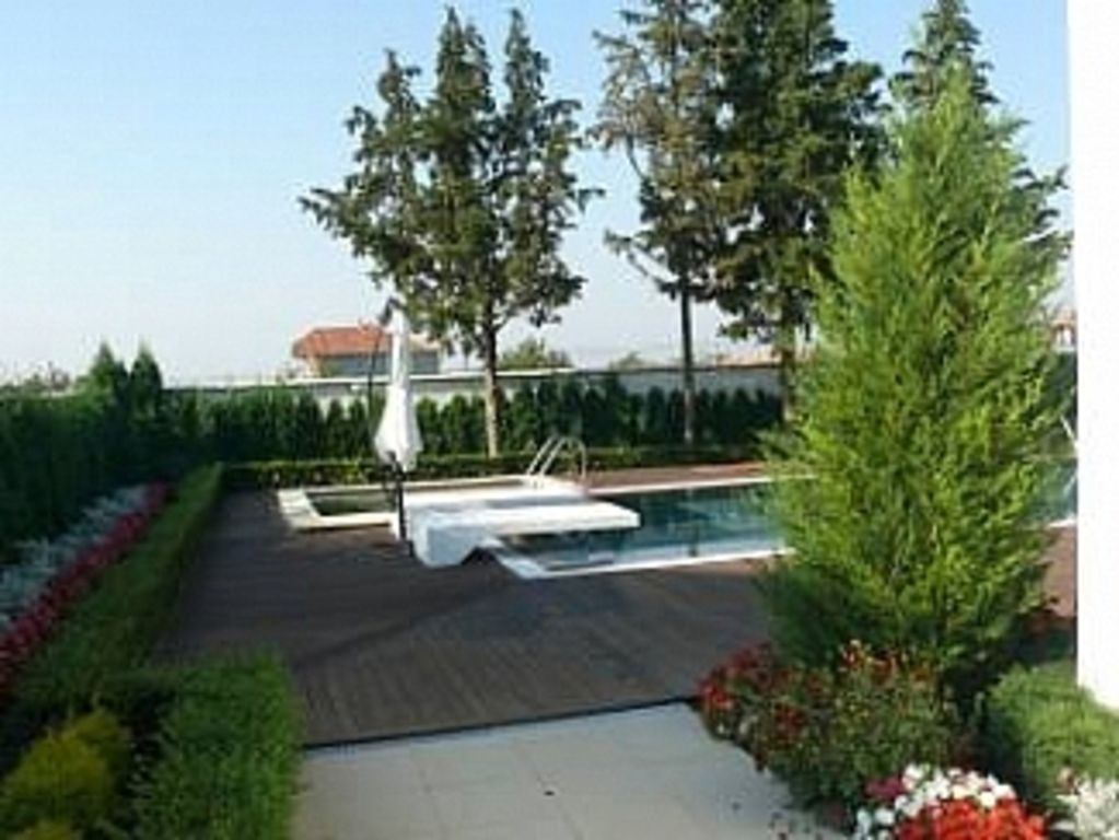 Property Image#4 Villa With Private Pool And Coast Views, Pine Tree Garden