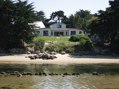 Photo for Sablettes, sleeps 8, waterfront