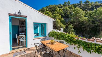 Photo for Gorgeous villa for six people in Frigiliana