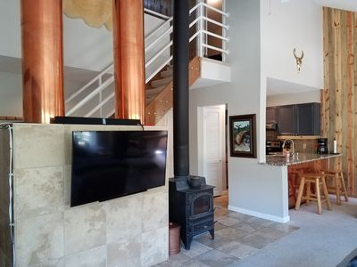 Photo for Mountain Chic 3BD/2BA East Vail Retreat