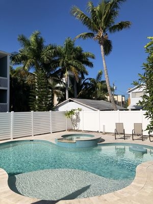 $100,000 pool in best location 65 steps beach, 40 steps bay, 3 blocks Bridge Str