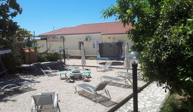 Photo for Apartments Frankic II, 30 m from the sea, boat mooring, common room, air conditioning