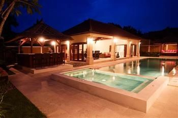 Photo for Villa Santi - In Seminyak (Core area of Seminyak)