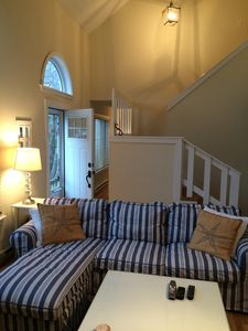 """Photo for Your """"Vineyard Dream"""" Vacation (OAK BLUFFS)-Sunny Open Floor Plan Close to Town"""