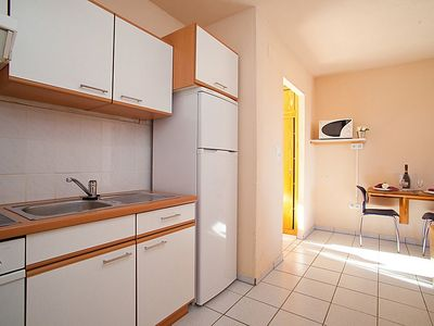 Photo for Apartment in Riumar with Parking, Internet, Washing machine, Air conditioning (89915)