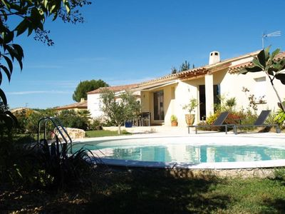 Photo for Villa feet with pool at 5 min. Uzes