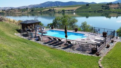 Private Sport Pool, Slide, BBQ and Cabana on Beautiful Roses Lake.