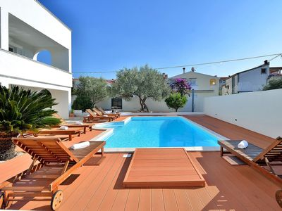 Photo for Beautiful private villa with private pool, hot tub, A/C, WIFI, TV, balcony and parking