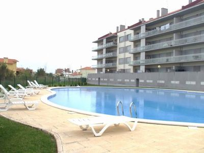 Photo for Pérola do Oeste - T1 with pool 3 min walk from the beach