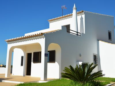 Photo for Fantastic breaks in the charming Villa Martinho in Carvoeiro Beach