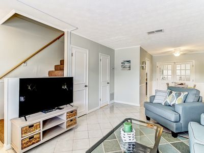 LOCATION, LOCATION, LOCATION! Updated Townhome Close To Island Gems!