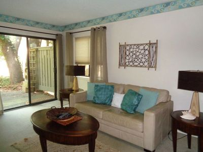 Photo for Walk to the beach from this beautiful 2 bedroom Stone's Throw villa
